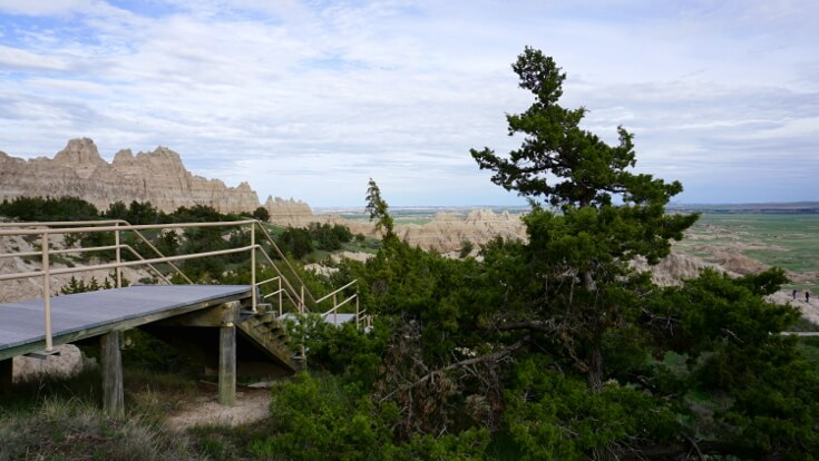 Day Hikes at Badlands National Park: Cliff shelf nature trail
