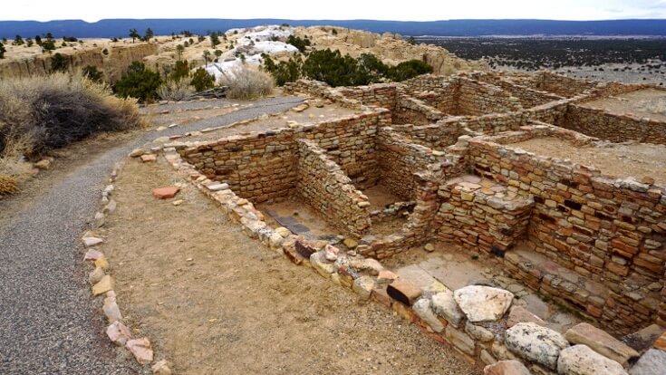 Ancestral Puebloan ruins at El Morro on top of the sandstone bluff.
